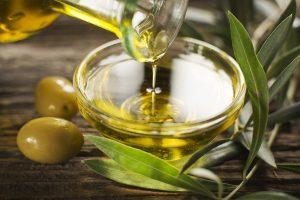 Оливковое масло как народное средство против букашек