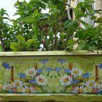 Украшение цветочных горшков, используя декупаж