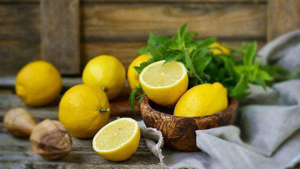 Лимоны - это богатые витаминами цитрусовые